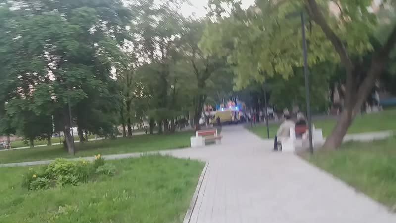 Скорая в сквере на Кутузова Последствия самоизоляции в Смоленске