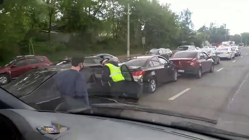 Дтп во Владимире В районе ост Погодина 32й собрал паравозик из 5 машин