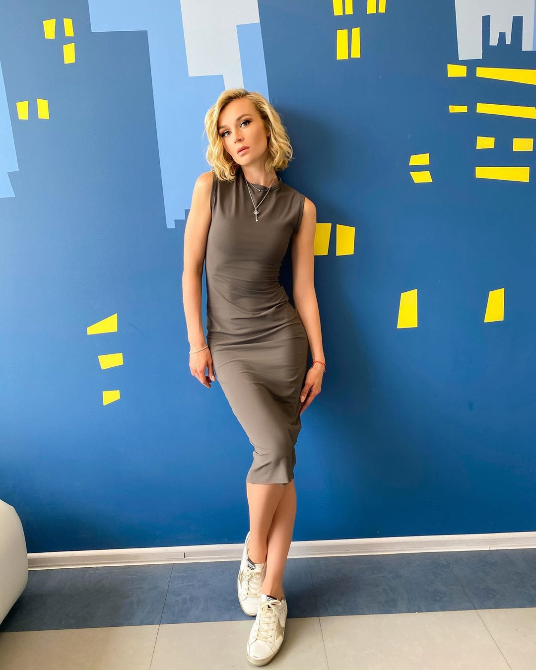 Стройная и спортивная Полина Гагарина