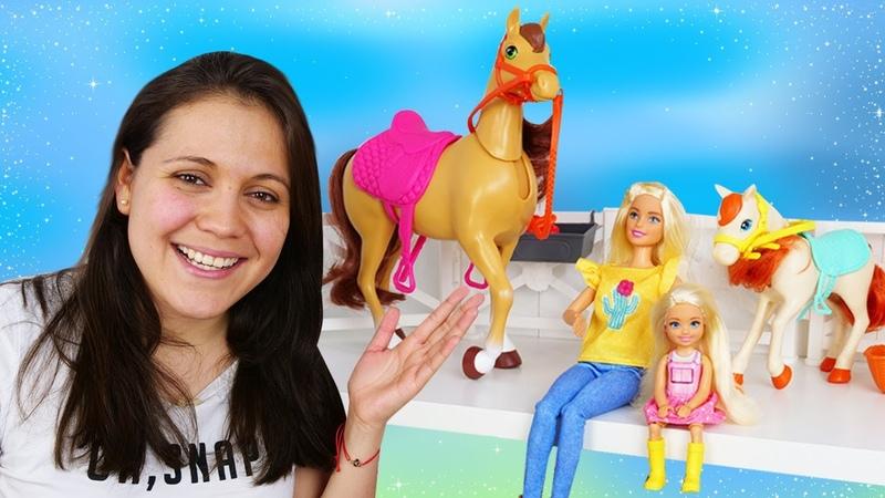 ¡Desempaquetamos el nuevo caballo de Barbie Juguetes para niñas Vídeos de Barbie en español