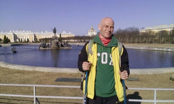Отведал корешков Под Питером 6 апреля скончался 62-летний Норко - путешественник, просветитель и философ добровольной простоты. Мужчина взял палатку и самоизолировался от жены и коронавируса в