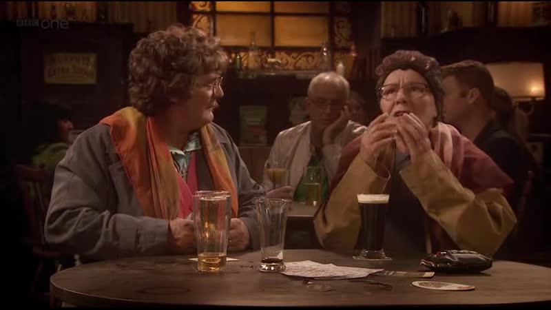 В пабе 9 Бабушки про оргазмик Отрывок из сериала Семейка миссис Браун