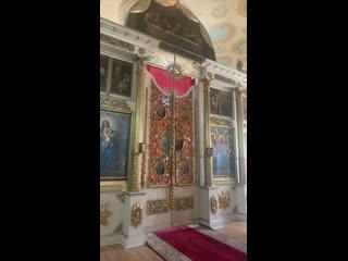 Литургия в день Троицкой родительской субботы