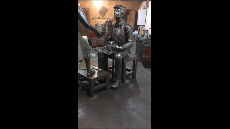 Скульптура из бронзы Сапожник. Бронзовая скульптура. Литейка