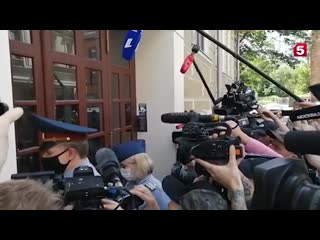 Кдому Михаила Ефремова пришли сотрудники ФСИН