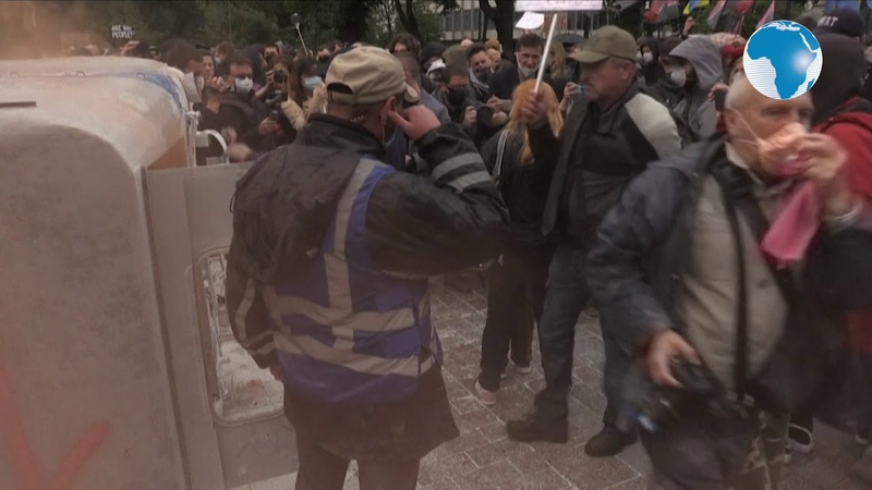 Kiev protesters demand minister's firing over police scandals
