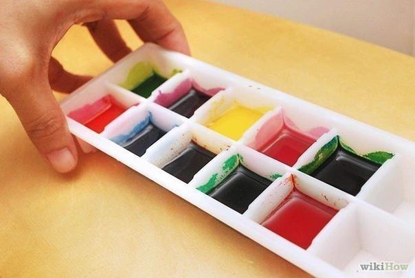 КАК СДЕЛАТЬ АКВАРЕЛЬНЫЕ КРАСКИ Сделать собственные краски очень просто... Вам понадобится:- 4 столовые ложки пищевой соды;- 2 столовые ложки уксуса;- 2 столовые ложки крахмала;- пищевой