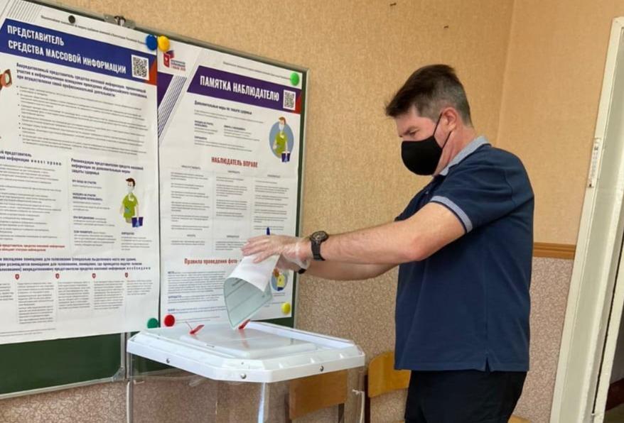 Общероссийское голосование по поправкам в Конституцию РФ: петровчане продолжают голосовать на избирательных участках и на дому
