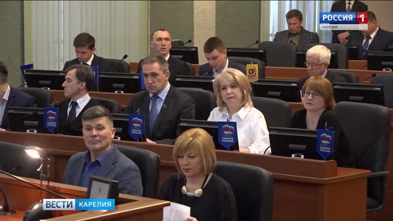 Глава республики ответил на вопросы карельских депутатов