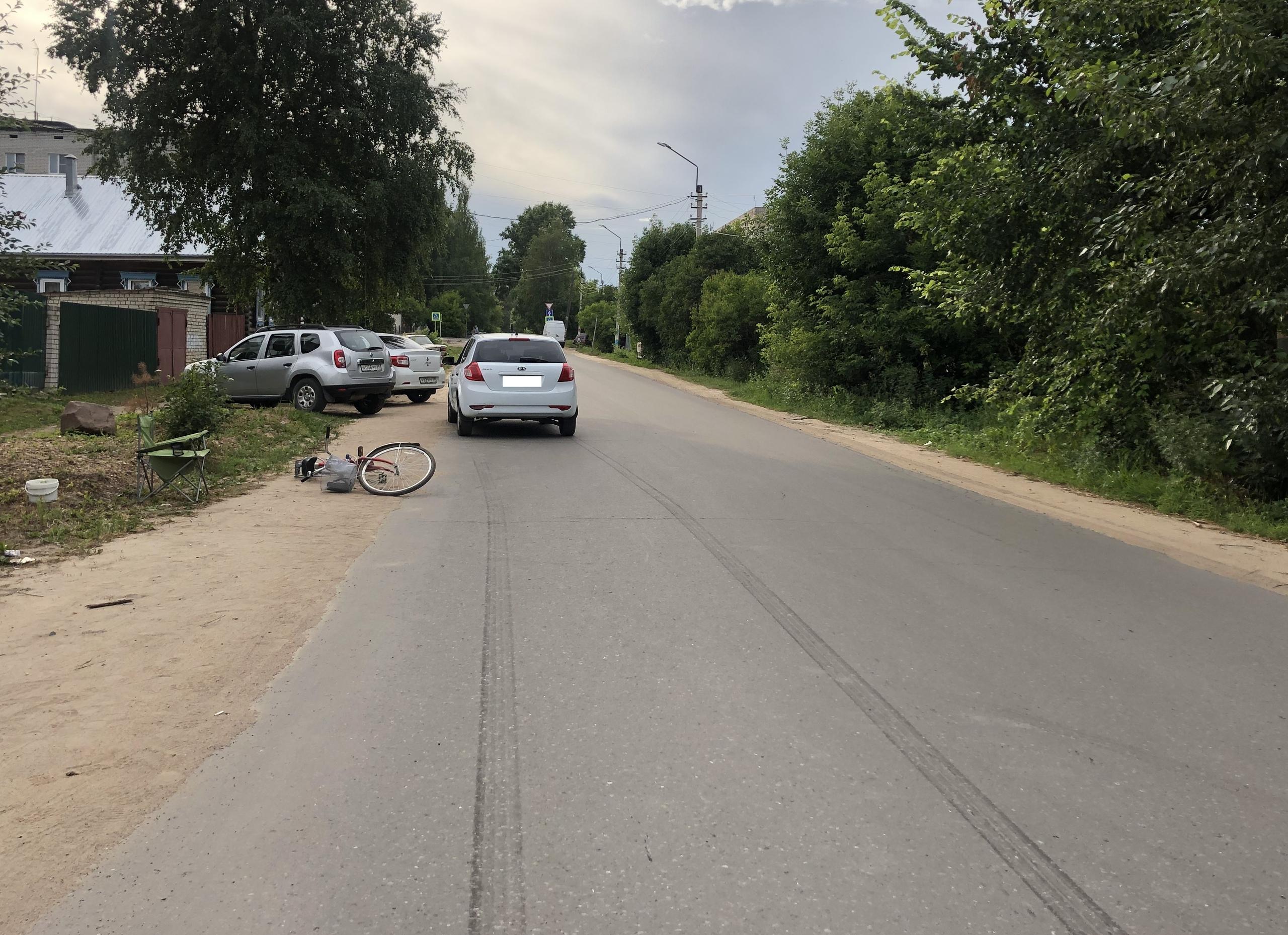 Не подала сигнала рукой: на улице Ленина в Кимрах сбили велосипедистку