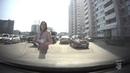 Неизвестная девушка подкидывает автовладельцам стихи тульского поэта Николая Жукова