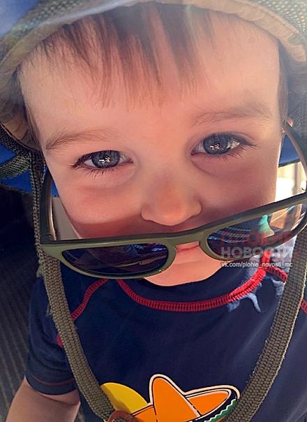 В американском городе Гринвилл, штат Южная Каролина, двухлетний мальчик нашел пистолет в сумке бабушки и случайно выстрелил в себя По данным полиции округа Гринвилл, в четверг, 20 июня, 2-летний