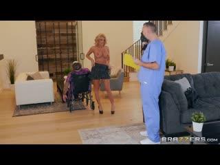 Доктор трахает зрелую пациентку с пышными формами, sex porn milf mature mom busty big tit marvel joker new HD DC (insectology)