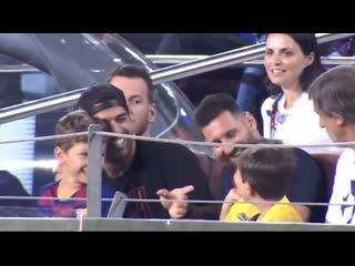 Сын Месси празднует гол в ворота Барселоны