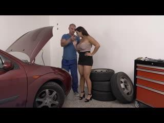 Chloe Lamour - Finding The Right Tool 4 The Job [All Sex, Hardcore, Blowjob, MILF, Big Tits]