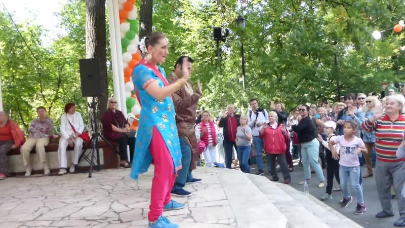Мастер класс по индийским танцам Ашвани и Светланы Нигам Ашванинигам