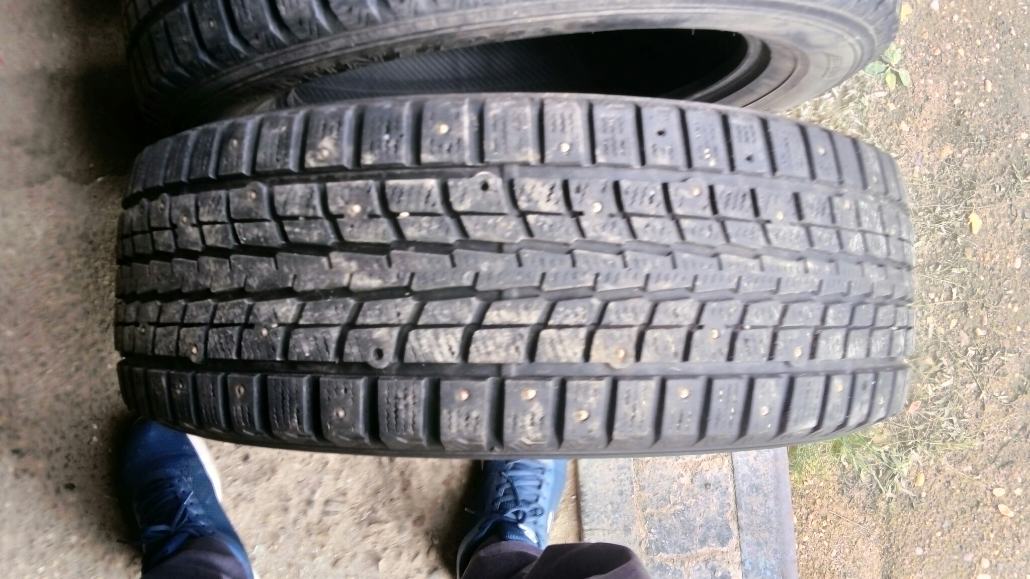 Добрый день, продаю зимние шины Dunlop SP