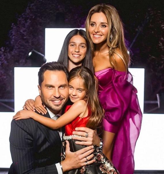 Александр Ревва опубликовал фото своей семьей!