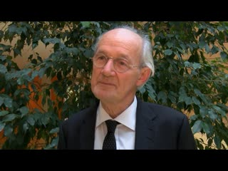 Он по-прежнему сражается за свою свободу: отец Ассанжа в эксклюзивном интервью Ruptly