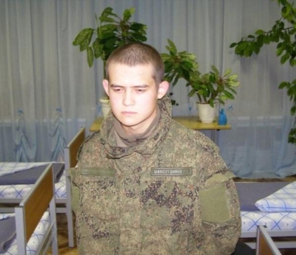 Россияне собрали 700 тысяч рублей в поддержку Рамиля Шамсутдинова. Более половины миллиона было собрано в поддержку солдата-срочника, расстрелявшего 8 сослуживцев. Его отец Салим Шамсутдинов уже