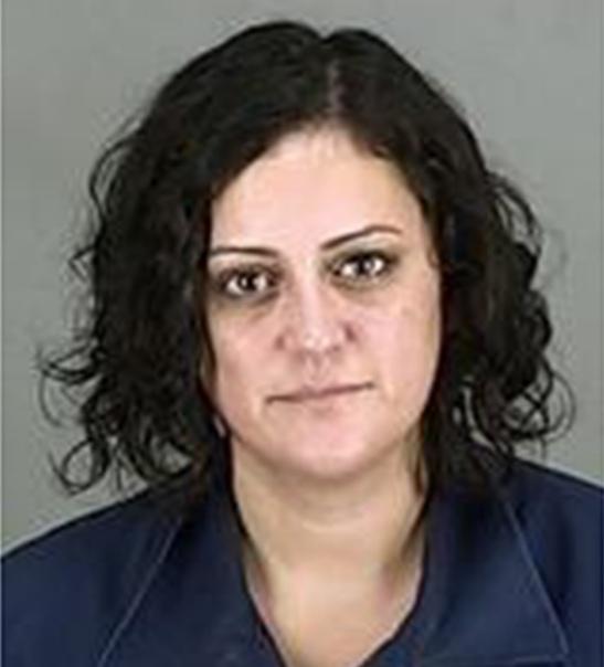 Учитель из Огайо получает 2 года за секс с мальчишкой, который выглядел и вел себя как ее муж Лора Бьюси может быть поднята с бутылки через полгода при хорошем поведении.Она была закована в