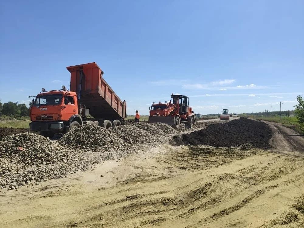 Продолжается ремонт дорог, проходящих по территории Петровского района