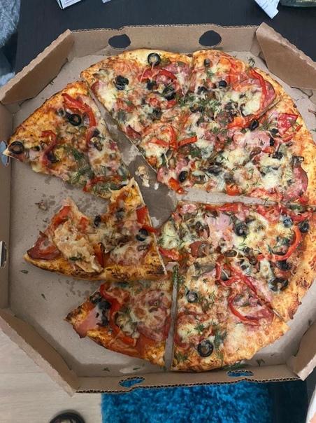 Пицца с зубом.Вот что сообщает покупательница:«В с...