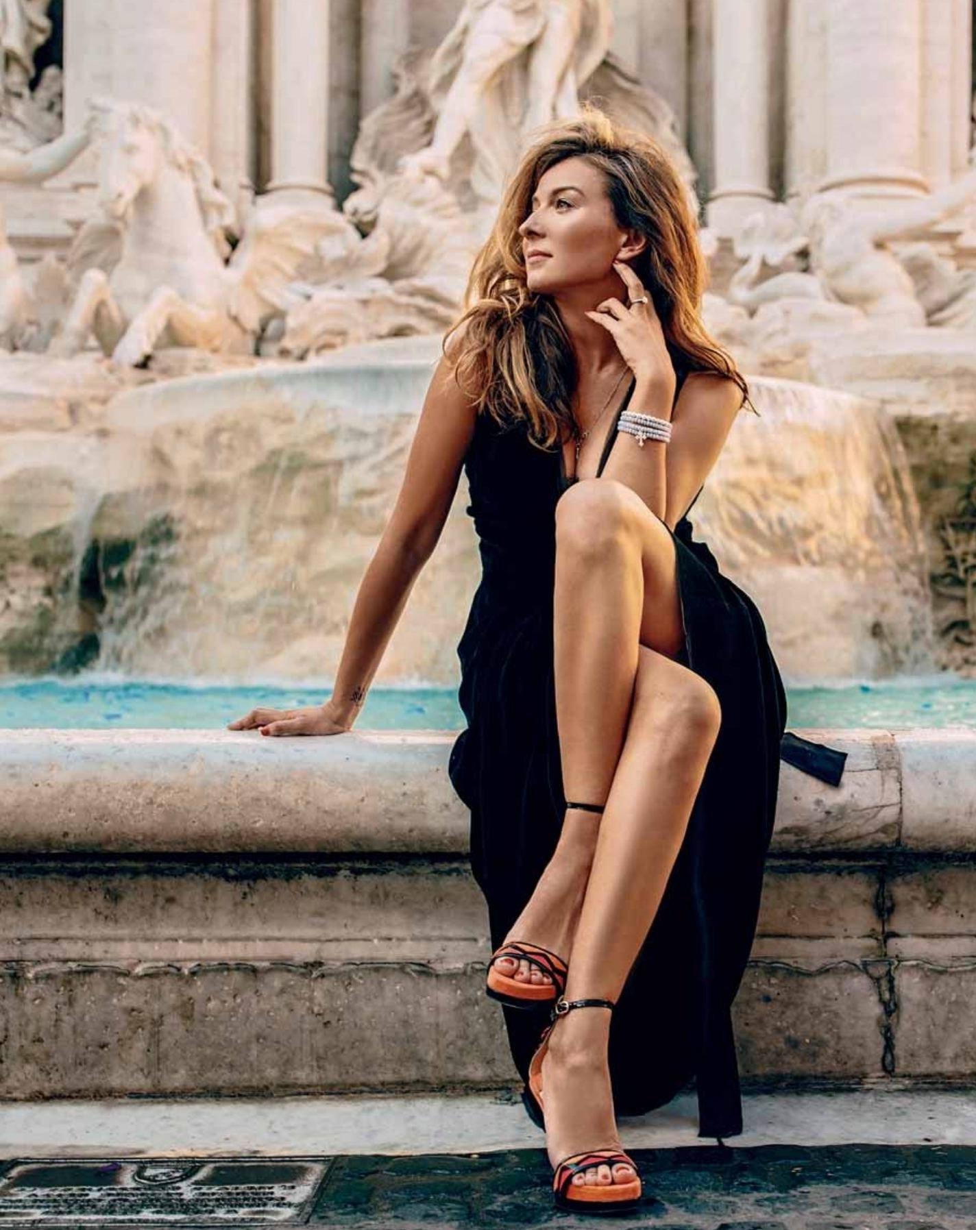 У Жанны Бадоевой такие стройные ножки