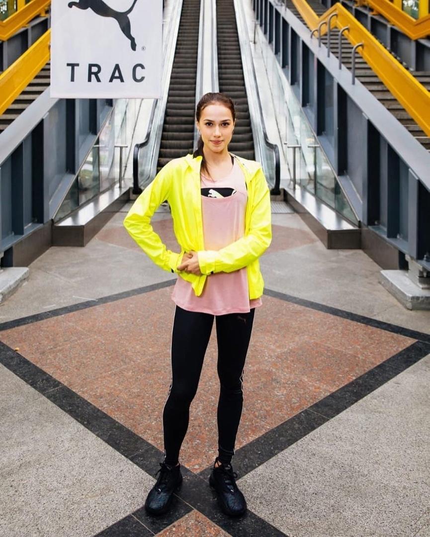 Алина Загитова — российская фигуристка, выступающая в одиночном катании.
