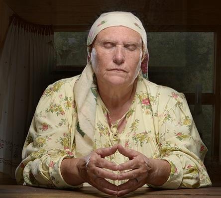 Баба Нина: чтобы избавиться от безденежья, возьмите в привычку носить.