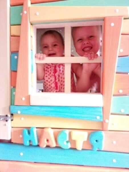 Кровать-дом своими руками для деток. Молодец папа
