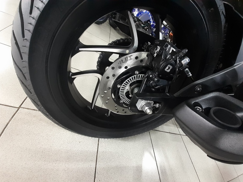 Обзор мотоцикла Bajaj Dominar, изображение №7
