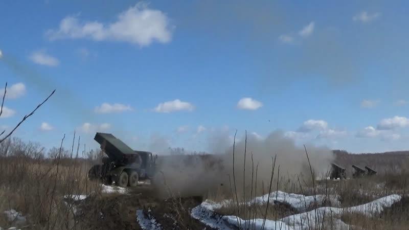 Три ста Трид цать Триии Восточный военный округ публикует эпичное видео залпов из РСЗО Град