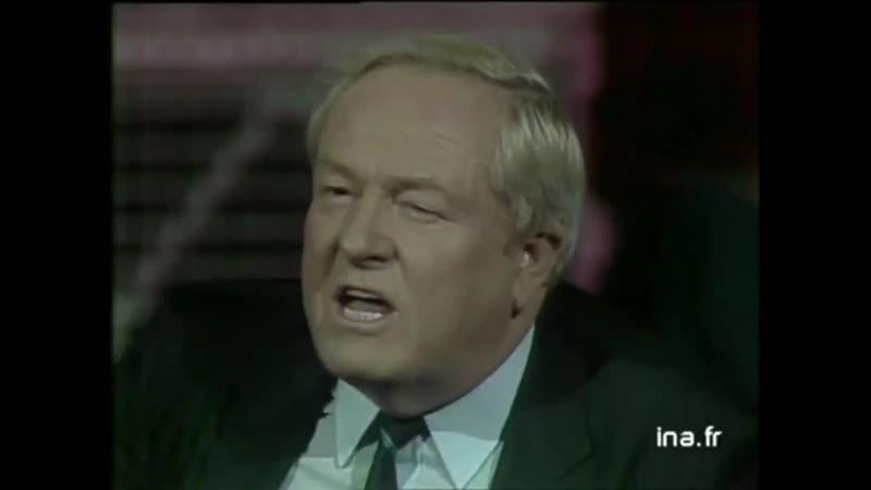 Jean Marie Le Pen recadrant le communiste André Lajoinie, qui l'eut accusé de racisme et d'antisémitisme. (21/09/1987)