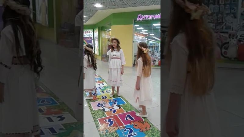 Арт школа моды KidsStyle руководитель Татьяна Семенюк с коллекцией Дивна квітка