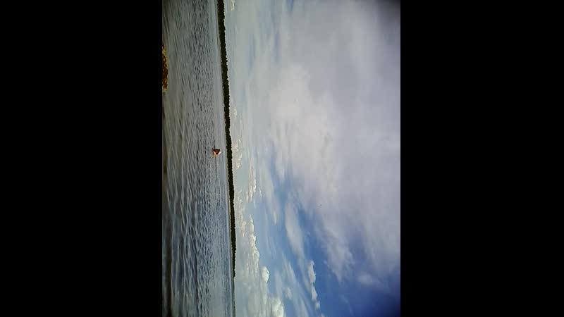 плаваю в реке в Северной Двине это было в те далекие времена когда была пурга когда был буран на Елисейских полях