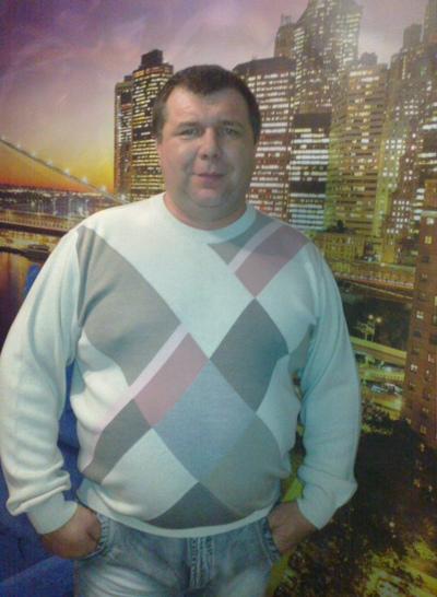Андрей, 47, Lutna