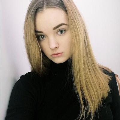 Анна савицкая длинноногая веб модель