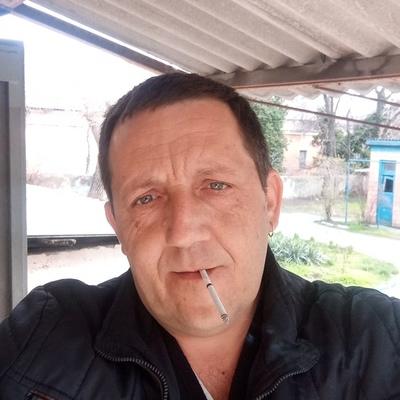 Олег, 41, Kazanskaya