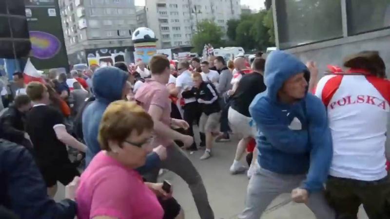 Напподдали полякам за слова русская курва