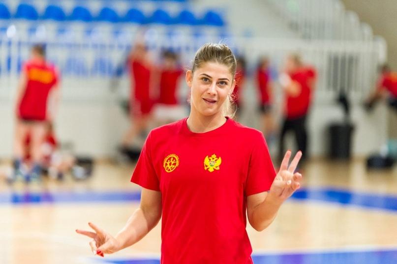 """Майда Мехмедович: """"Наш настрой сильнее, чем мышцы. На площадке черногорки превращаются в львиц"""", изображение №6"""