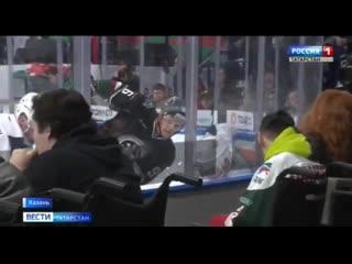 Елка желаний помогла девочке из Чистополя встретиться с любимыми хоккеистами