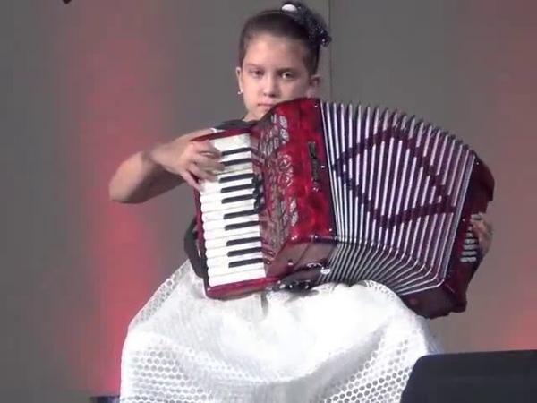 АЛИНА в 8 ЛЕТ аккордеон ШВЕЙЦАРИЯ