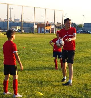 Сегодня отмечает День Рождения главный тренер сборных команд 2009 и 2011 годов рождения Ильдар Ахметжанов.