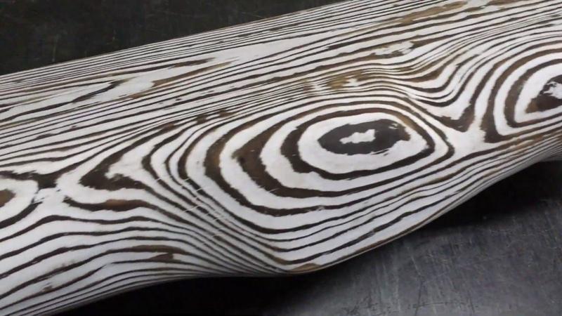 Зебра из дерева браширование обжигом окрашивание и пропитка маслом